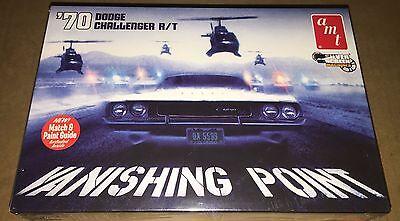 AMT Vanishing Point 1970 Dodge Challenger R/T 1/25 model car kit new 942