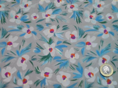 CLASSIC LAWN CRAFT /& APPAREL FABRIC    DITSY    1 METRE