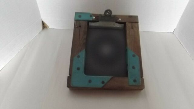 VINTAGE/ANTIQUE CLIPBOARD SOLID WOOD AND METAL RUSTIC FOOTED TO SLANT