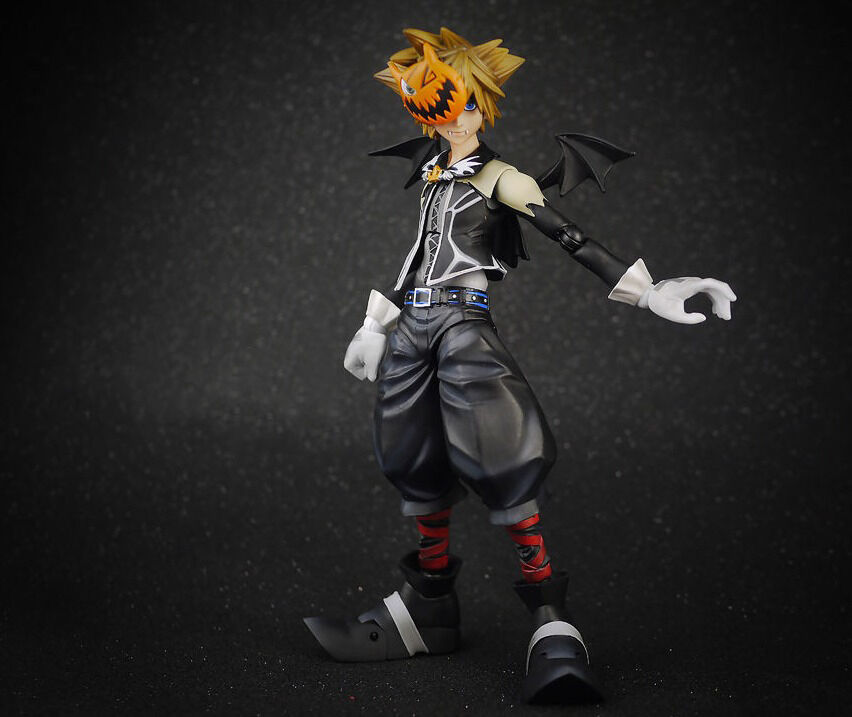 Authentic Authentic Authentic PlayArts Kai Kingdom Hearts Halloween Town Sora Action Figure(no box) 1087f0