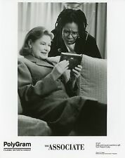 WHOOPI GOLDBERG DIANNE WIEST THE ASSOCIATE 1996 2 VINTAGE PHOTOS ORIGINAL LOT