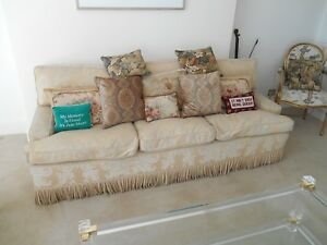 LARGE-BESPOKE-DESIGNER-SOFA-3-SEATER-CREAM-GOLD-Tassels-on-castors-amp-cushions