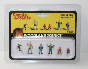 Woodland Scenics A1927 free post OO//HO figures Painted One Man Crew