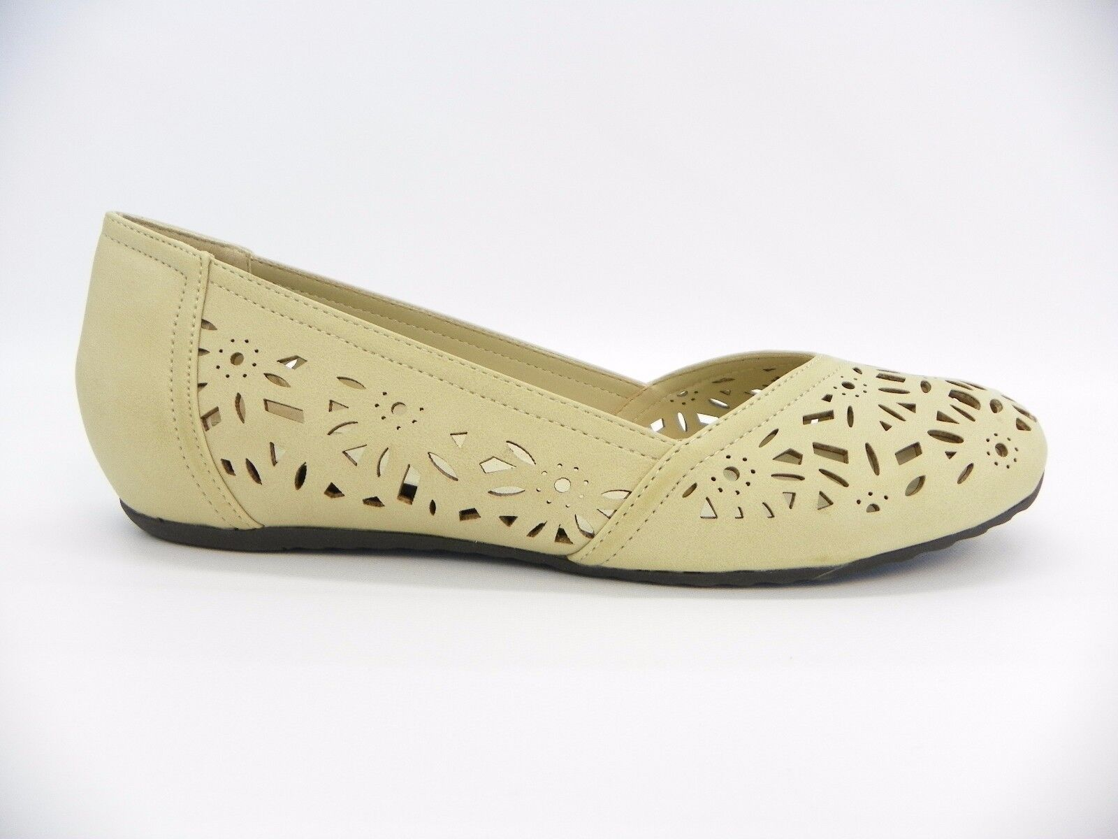 Easy Street Womens shoes Charlize Laser Cutout Slip On Flats Bone 9 M  60