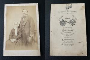 Richebourg, Paris, mère et fils Vintage albumen print CDV. Tirage albuminé
