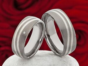 Partnerringe-Eheringe-aus-Titan-und-925-Silber-mit-Diamant-und-Lasergravur-P309