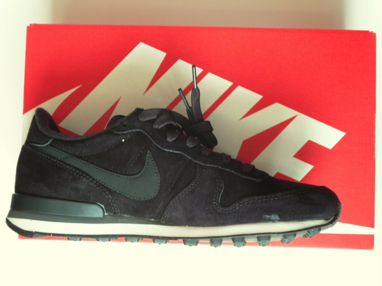 Nike Internationalist Leather Schuhe Größe EUR 41 UK 7, US 8, 26cm, Schwarz