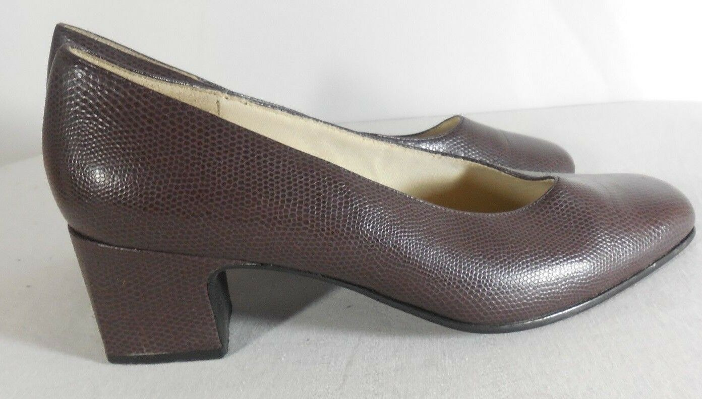 Vintage 9-2-5 Brand High Heel Classic Pump Style Women's 9 Shoe in Brown Size 9 Women's 185901