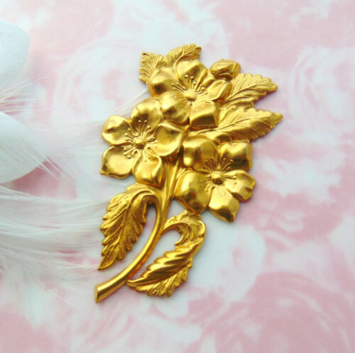 FC-23 BRASS Large Flower Stamping ~ Jewelry Ornament Floral Finding