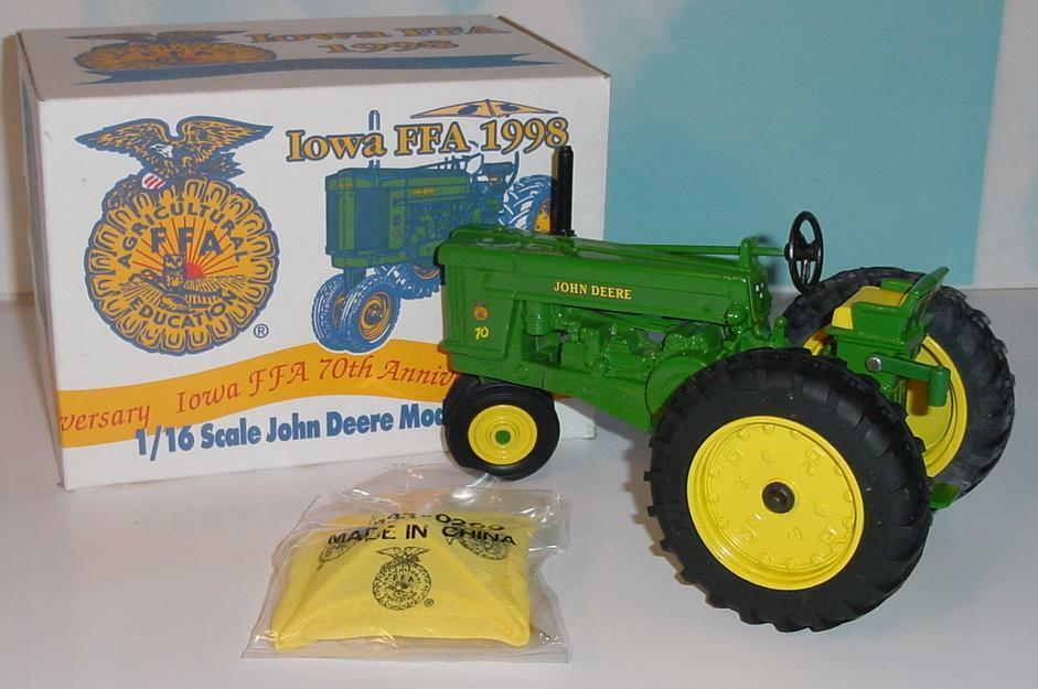 1 16 John Deere 70 Tractor W Umbrella NIB  Iowa FFA 1998