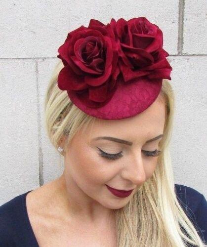 Bourgogne Bordeaux Vin Rouge Rose Fleur Fascinator Pilulier Chapeau races clip vintage 4815