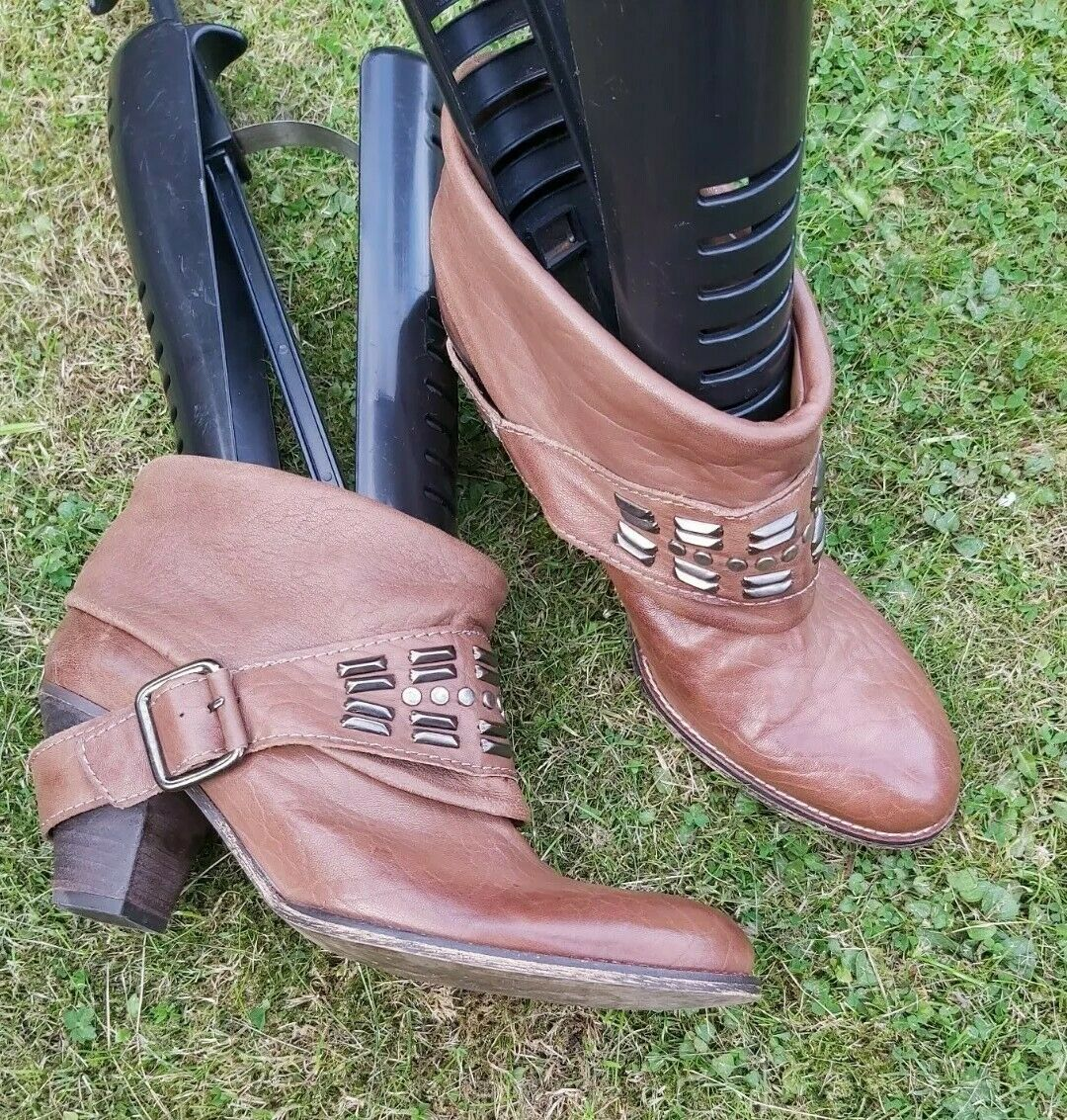 ZARA Genuine Leather Cowboy Style Ankle biker Boots size UK 7 EU 41 block heel