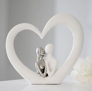36925-Escultura-Marco-de-corazon-Ceramica-blanco-plata-en