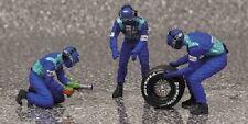 Minichamps 318100033 - Reifenwechsel Set Sauber 2002 ( 3 Figuren/ 1 Hinterrad )