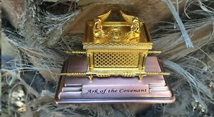 Ark-of-the-Covenant-Box-Gold-Plated-Metal-from-Jerusalem-A-Jewish-Souvenir
