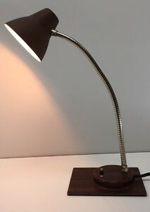 Vintage-Mid-Century-Wood-Grain-Retro-Old-School-Classic-Desk-Lamp