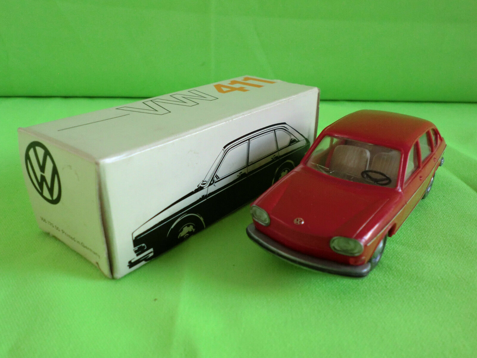 CURSOR 1 40   VOLKSWAGEN    VW 411  -   IN BOX  - IN NEAR  MINT CONDITION