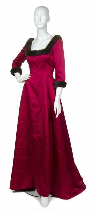 A W 1999 ICONIC ICONIC ICONIC OSCAR DE LA RENTA SABLE TRIMMED RED DRESS GOWN 8b81dc