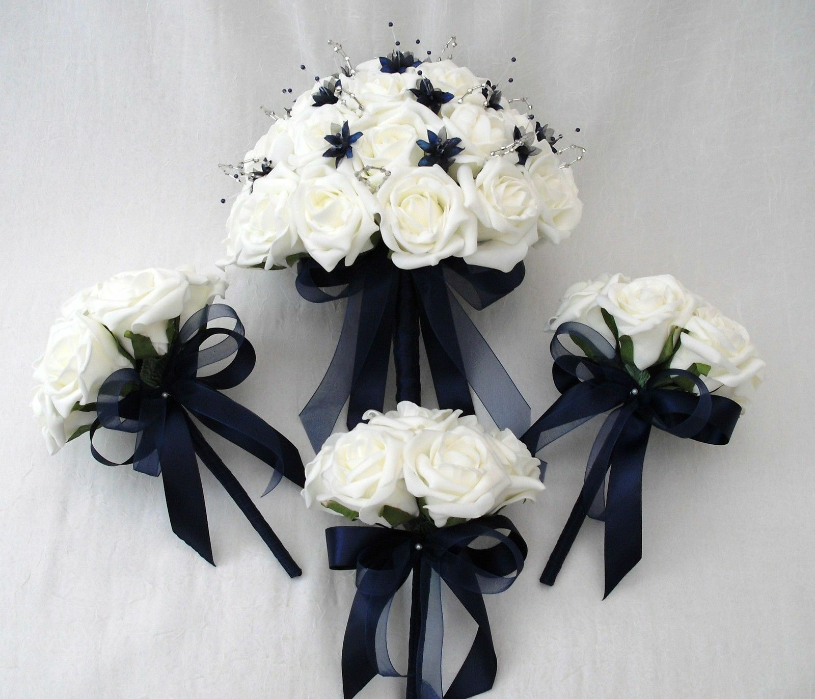 BRIDES WITH 3 FLOWERGIRLS POSY BOUQUETS IN IVORY & NAVY Blau, ARTIFICIAL FLOWERS