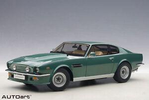 1:18 Autoart Aston Martin V8 Vantage (vert forêt)