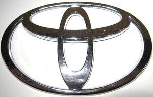 toyota previa echo paseo tercel corolla camry front hood emblem t badge logo ebay. Black Bedroom Furniture Sets. Home Design Ideas