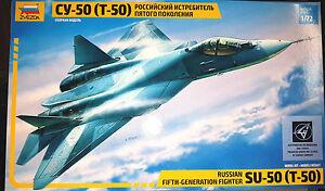 Sukhoi-PAK-T-50-Russian-Stealth-Fighter-Zvezda-Kit-1-72-7275-Nuovo