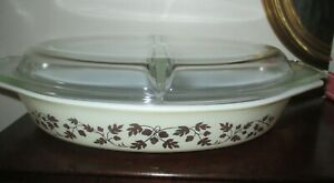 PYREX 1 1/2 QT OVAL DIVIDED CASSEROLE DISH WITH LID * GOLD ACORN