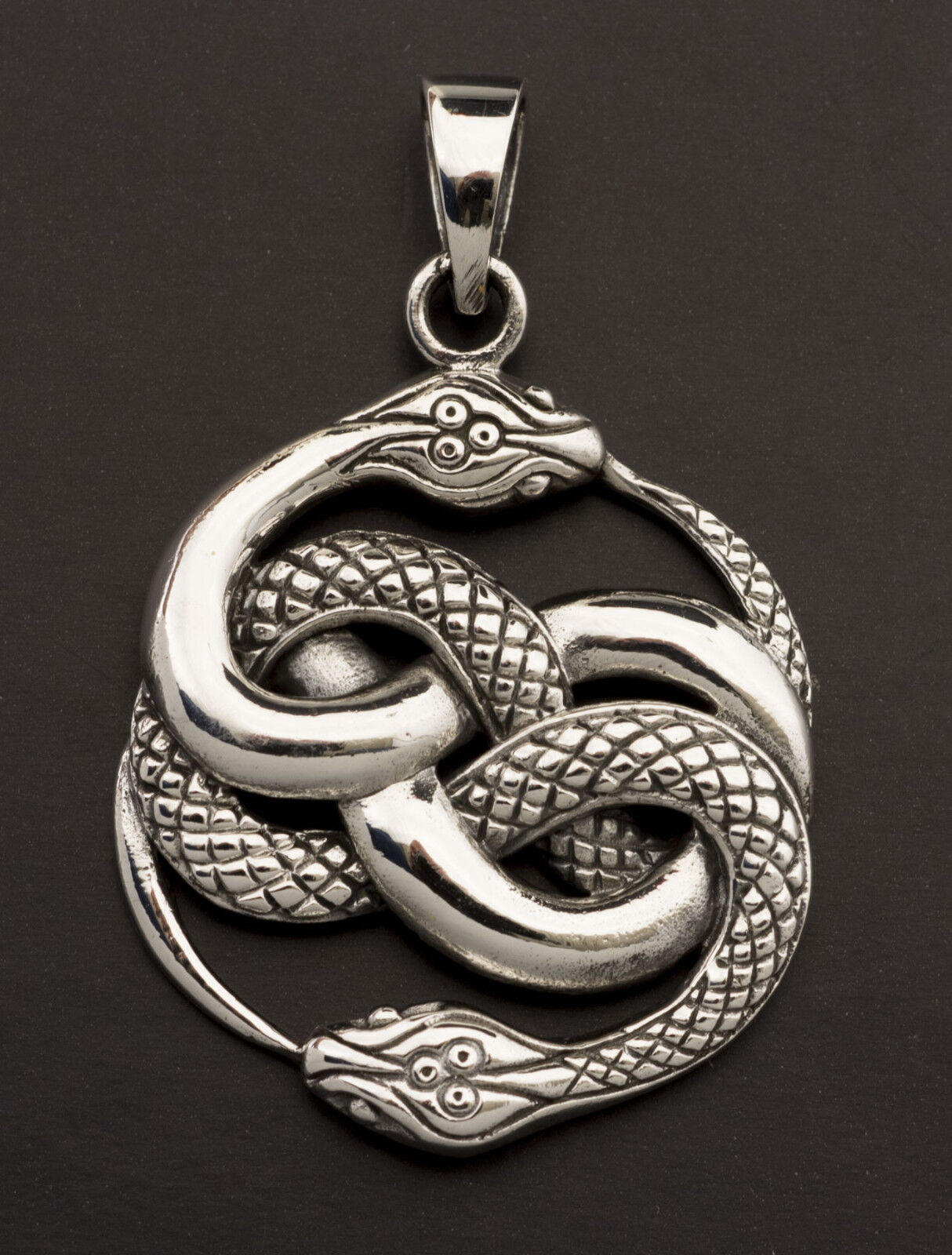 Pendentif tibetain Serpent ourobgolds en silver 925 massif 8.1g Tibet 25898 M31