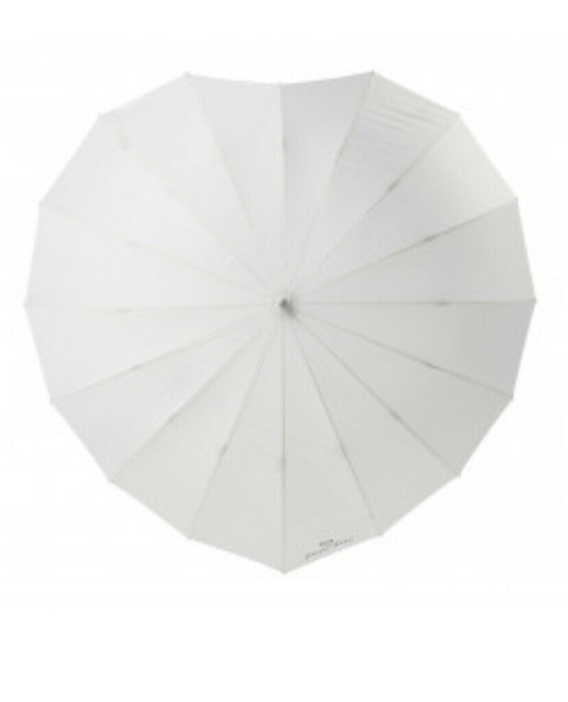 'Just Married' WEDDING HEART SHAPE UMBRELLAS Great For Weather Also For photos