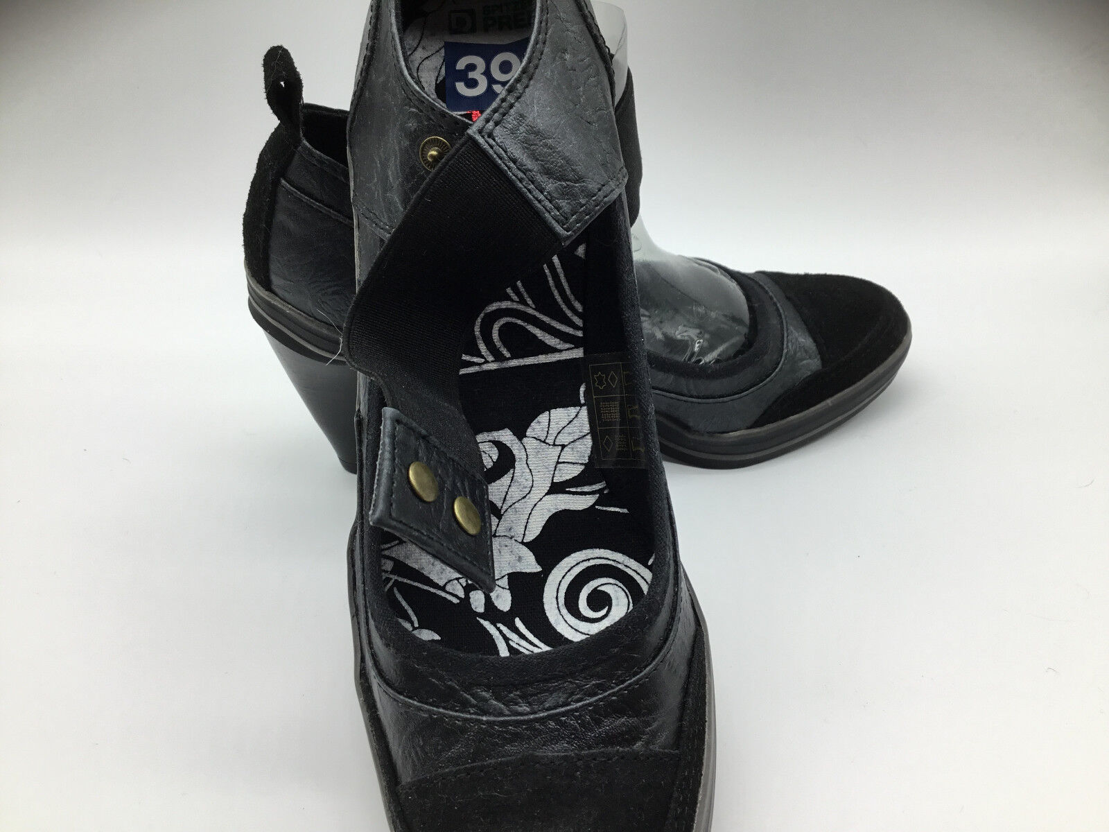 .Black  Leather Upper Pumps Heels. Size 37. Heel height 3.Bought in Germany