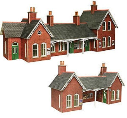 Metcalfe PO237 Country Station (00 Gauge) Railway Model kit