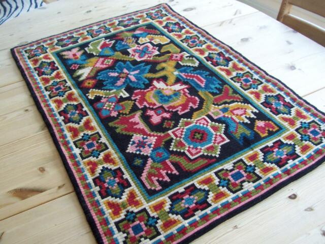 NEW FAB LARGE NORWEGIAN HAND STITCHED TAPESTRY OR TABLE RUNNER FROM NORWAY