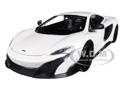 MCLAREN 675LT COUPE RED 1//24-1//27 DIECAST MODEL CAR BY WELLY 24089