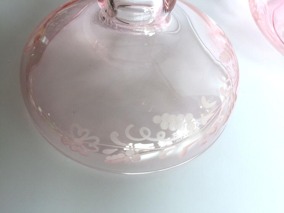 Lågskal / skål af pink slebet glas