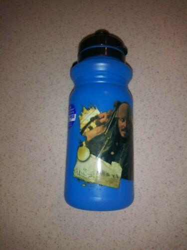 environ 510.28 g Pirates Of The Caribbean Réutilisable 18 oz NOUVEAU bouteille en plastique-Bisphénol a Free Boissons Holder