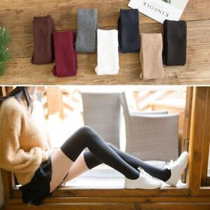 Haut-de-cuisse-au-dessus-des-chaussettes-de-genou-longues-bas-de-coton-chauds