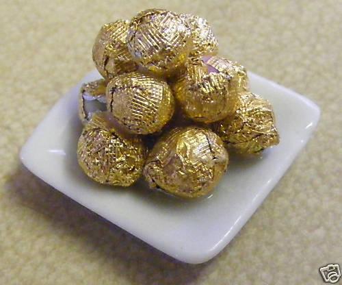 1:12 Scale Dish Of 12 Chocolate Balls Tumdee Dolls House Miniature Sweets W28gf
