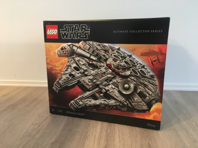 Lego Star Wars, Star Wars Millennium Falcon model 75192,…