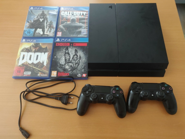 Playstation 4, God, PS4 i fin stand. inklusiv 4 spil:…