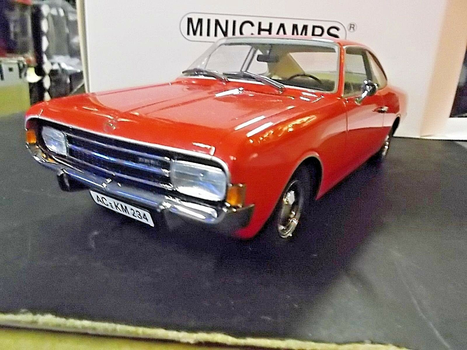 Opel record C Coupe 1966 rouge Rouge 107047020 RAR Resin MINICHAMPS SP 1 18