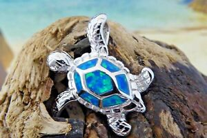 SMALL BEAUTIFUL HIGH POLISHED STERLING SILVER INLAID BLUE OPAL CRAB PENDANT