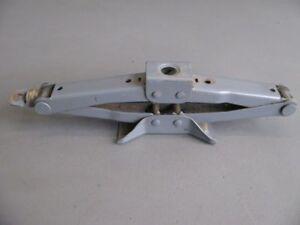 SUZUKI-VITARA-ET-TA-1-6-carrello-sollevatore