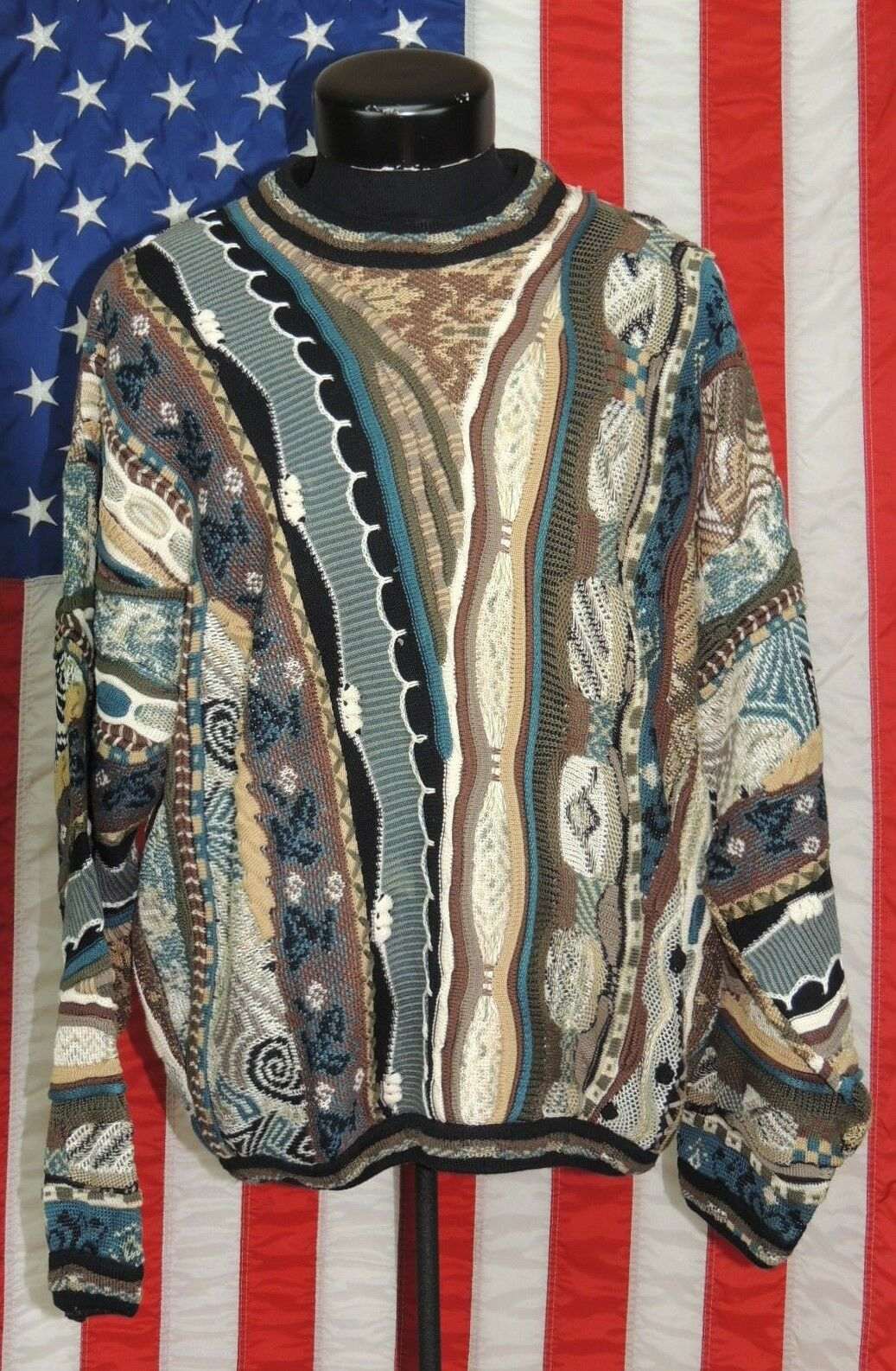 VTG Tundra Canada 3D Bill Cosby Biggie Smalls LG Abstract Sweater Hip-Hop Ugly