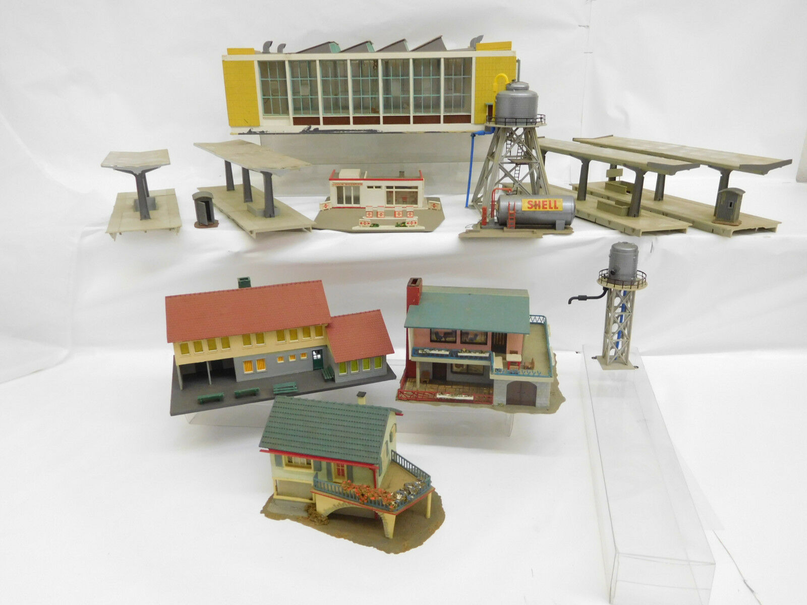 Mes-51013 h0 houses buildings from inssizetions decommissioning