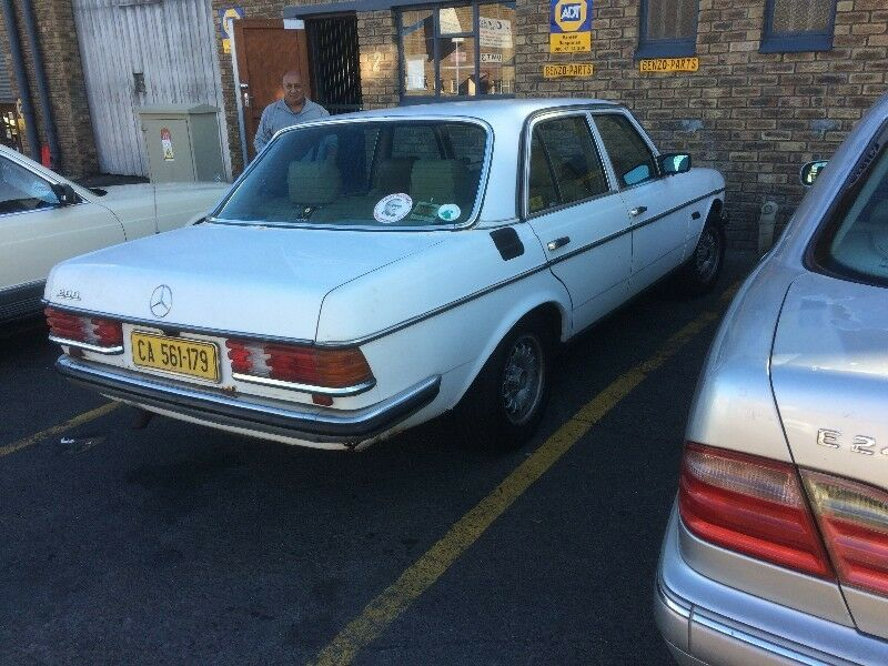 BENZO PARTS NOW STRIPPING: 1983 MERCEDES-BENZ 200 PETROL AUTO W123 SERIES