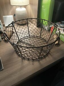 Wire Basket With Wooden Handles - Cute Farmhouse Look - Medium-Sized Basket