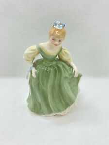 Royal-Doulton-Fair-Maiden-Beautiful-Lady-Figurine-HN2211-1966-Ideal-Gift