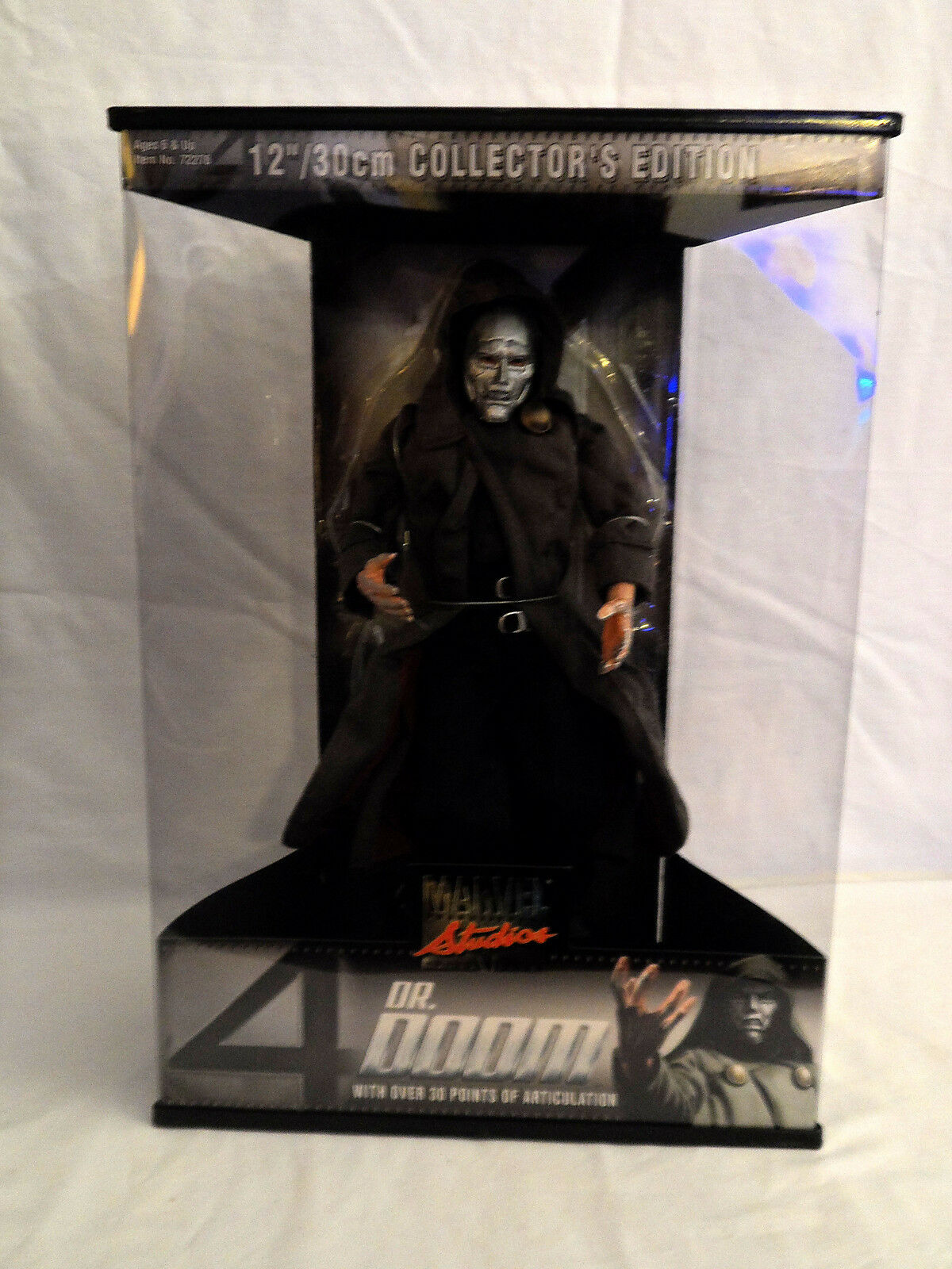 DR. DOOM  12  30CM COLLECTOR'S EDITION MARVEL STUDIOS  prix raisonnable