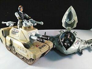 GI-Joe-2004-Neutralizer-and-Tigerhawk-with-Accessories