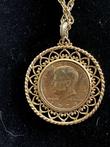 Vintage 1974 Liberty coin runway necklace.. so classic